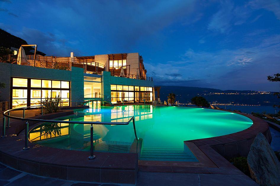 Lefay resorts spa gogoterme for Piscina arcore