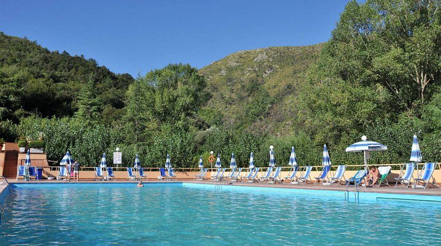 Stabilimento piscine luval terme di suio gogoterme for Piscine ore sole